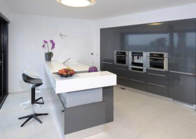 Kuchyne romi-akcní kuchyne